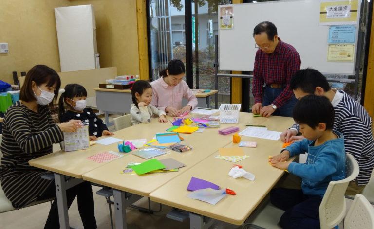 絆ハウス【ちびっ子折り紙教室】【ママとこどもの広場】の様子をお届けします