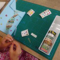 カードを作っているところ1枚目